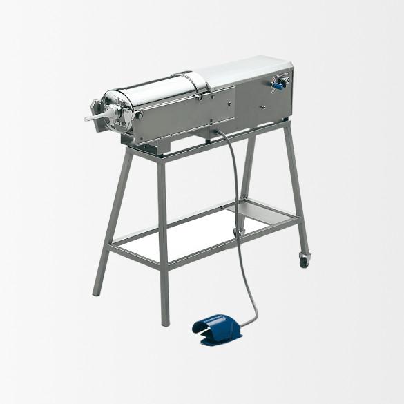 Poussoir à viande hydraulique horizontal 16